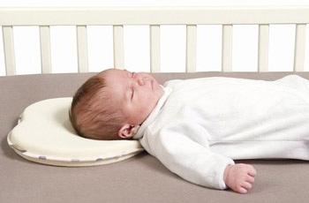 С какого возраста можно подушку