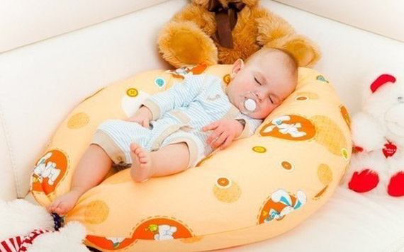 Cо скольки можно ребенку подушку